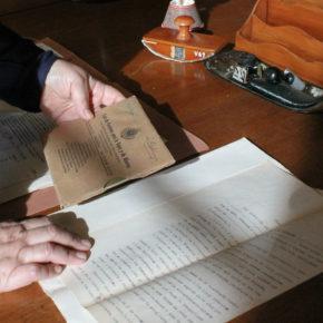 La Masia d'en Cabanyes treballa en l'inventari del fons documental i bibliogràfic de la biblioteca