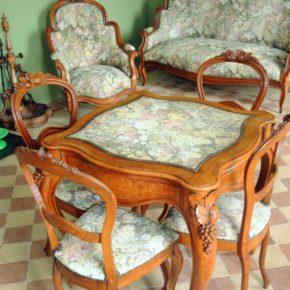 El mobiliari isabelí de la saleta russa
