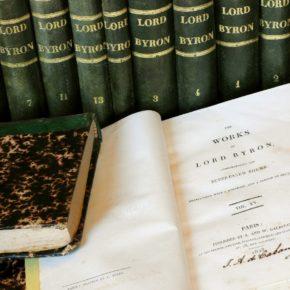 "Col·lecció ""Works of Lord Byron"" a la biblioteca de la Masia"