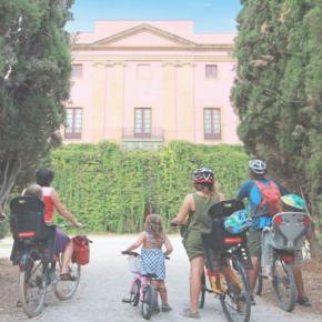 Visita nocturna a la Masia d'en Cabanyes en bicicleta